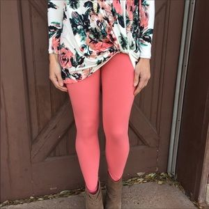 New coral legging